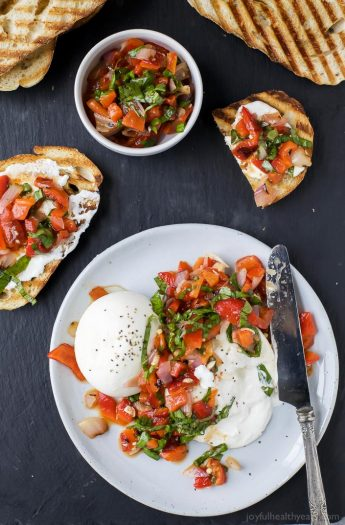 Roasted Red Pepper Bruschetta with Burrata - an easy summer appetizer that's light and fresh! Guaranteed to wow the crowd! I mean, who doesn't like creamy burrata! | grilling recipes