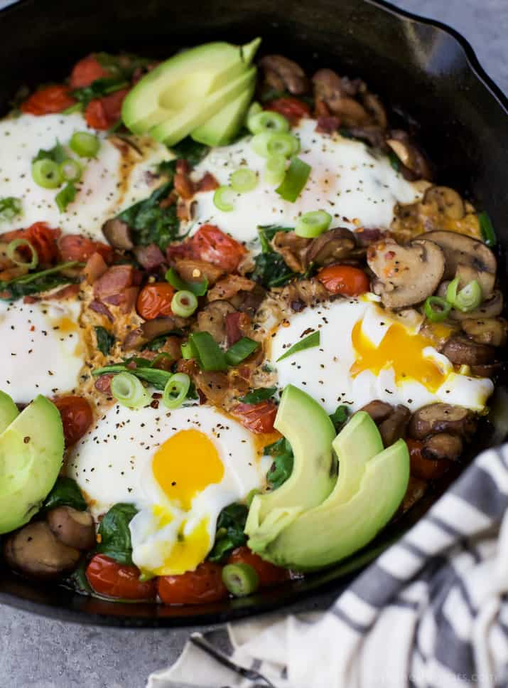 An easy gluten free Spinach Mushroom Breakfast Skillet that comes together in less than 30 minutes! This Breakfast Skillet is loaded with fiber, protein and flavor your family will love. Perfect for brunch or dinner!