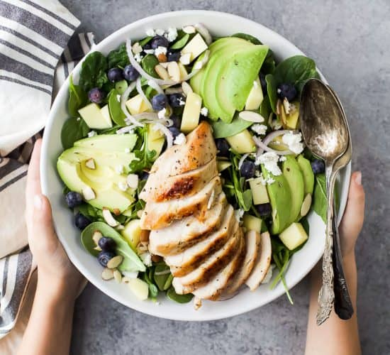 Easy Grilled Avocado Mango Chicken Salad a refreshing healthy salad perfect for the summer! A light 30 minute meal loaded with nutrients and flavor!