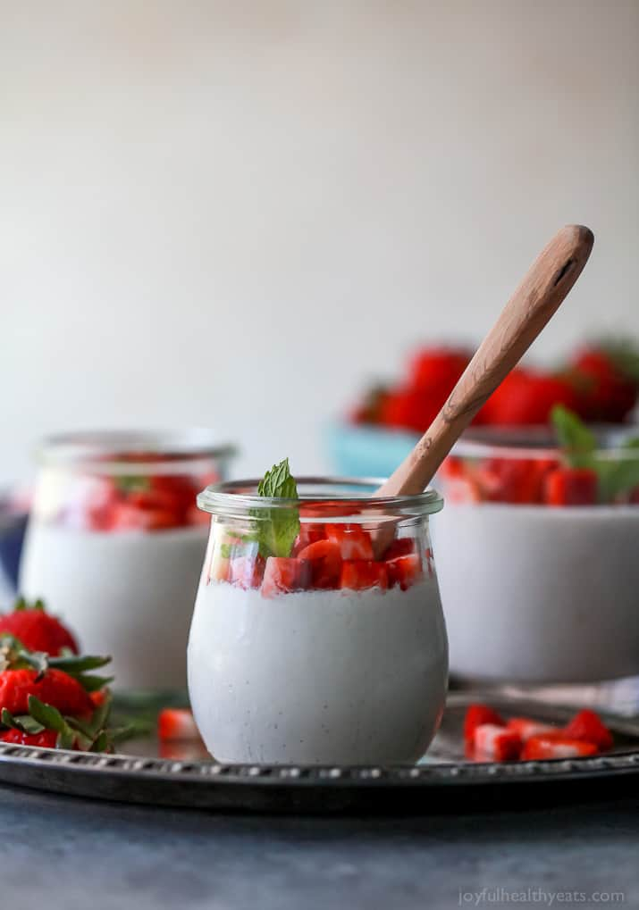 Creamy Paleo Vanilla Bean Panna Cotta sweetened with honey. A quick and easy dessert recipe that takes minutes to make! It's the perfect light sweet treat for the summer!