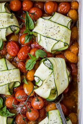 overhead photo of cheese zucchini ravioli in roasted tomato sauce