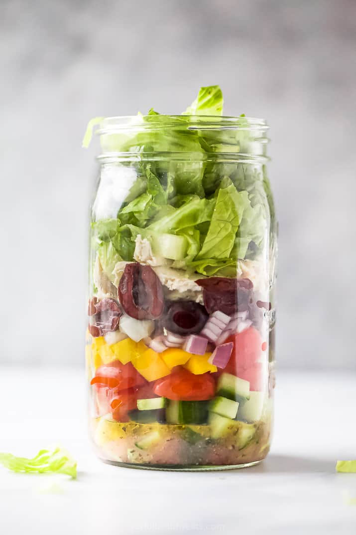 quick and easy greek chicken mason jar salad