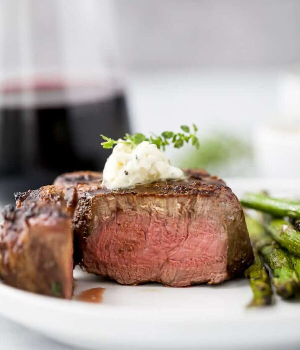 close up of perfectly grilled filet mignon